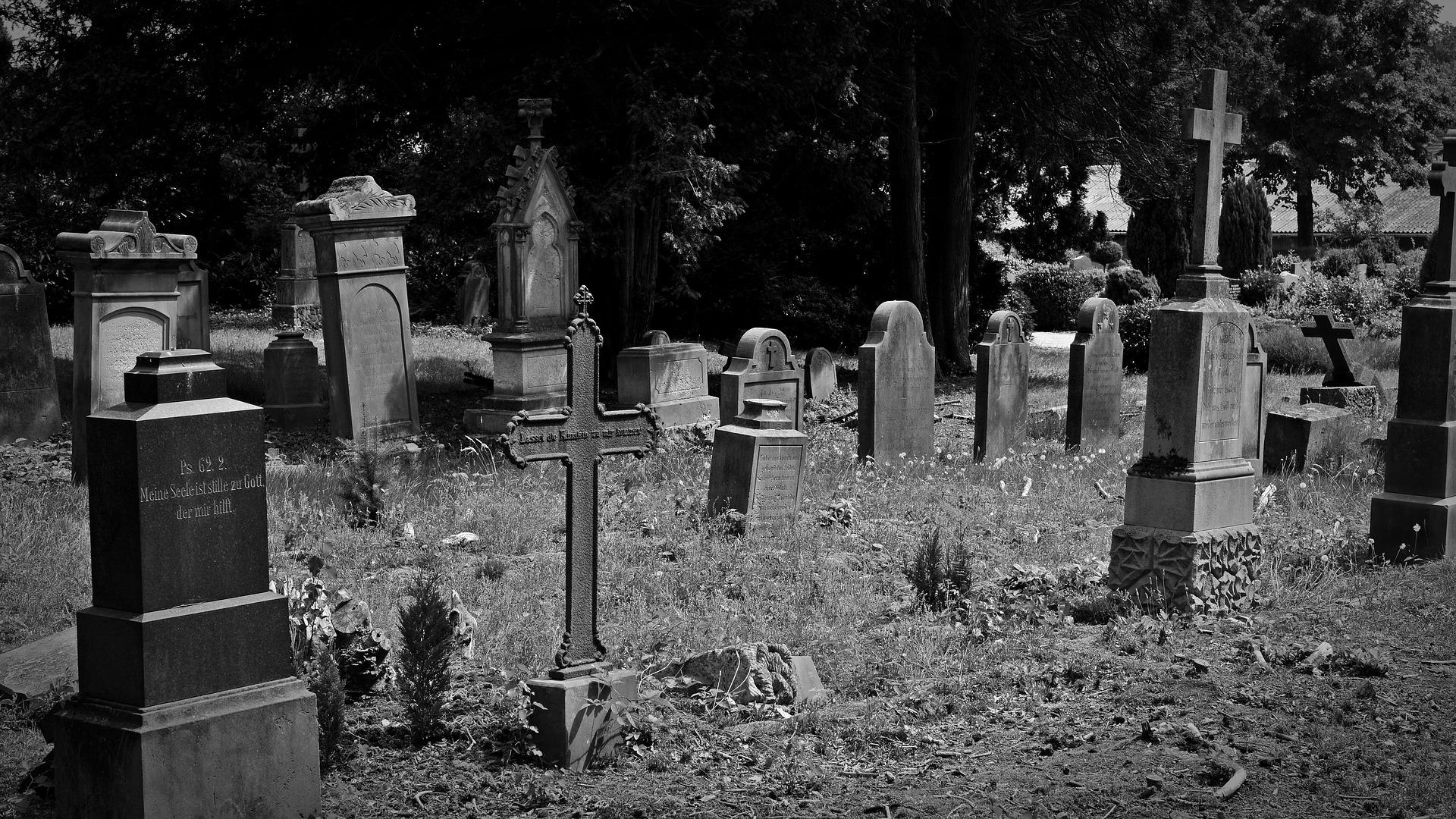 Was passiert mit Friedhöfen in Geisterstädten